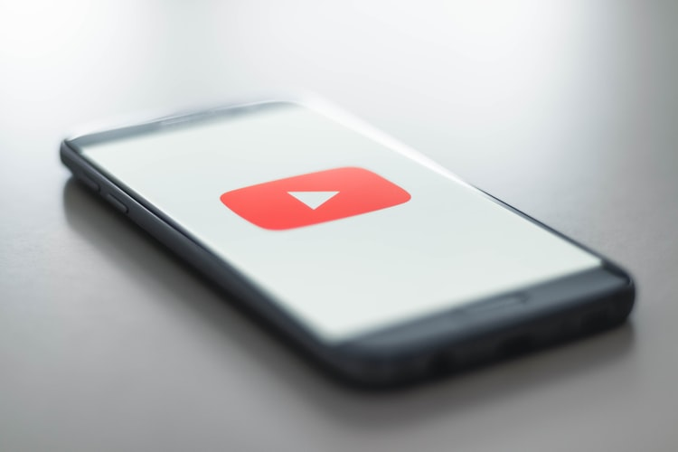 Google Gives YouTube an Algorithm Edge Over Competitors
