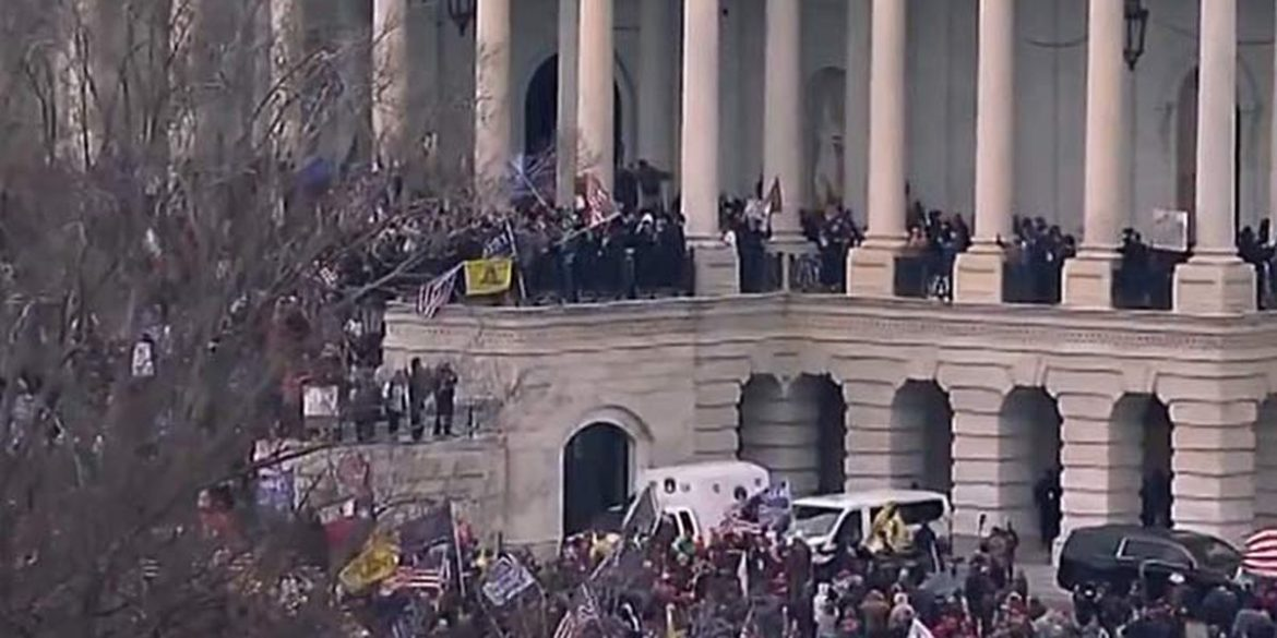 BREAKING – Trump Supporters Storm The Capitol Hill: National Guard Deployed